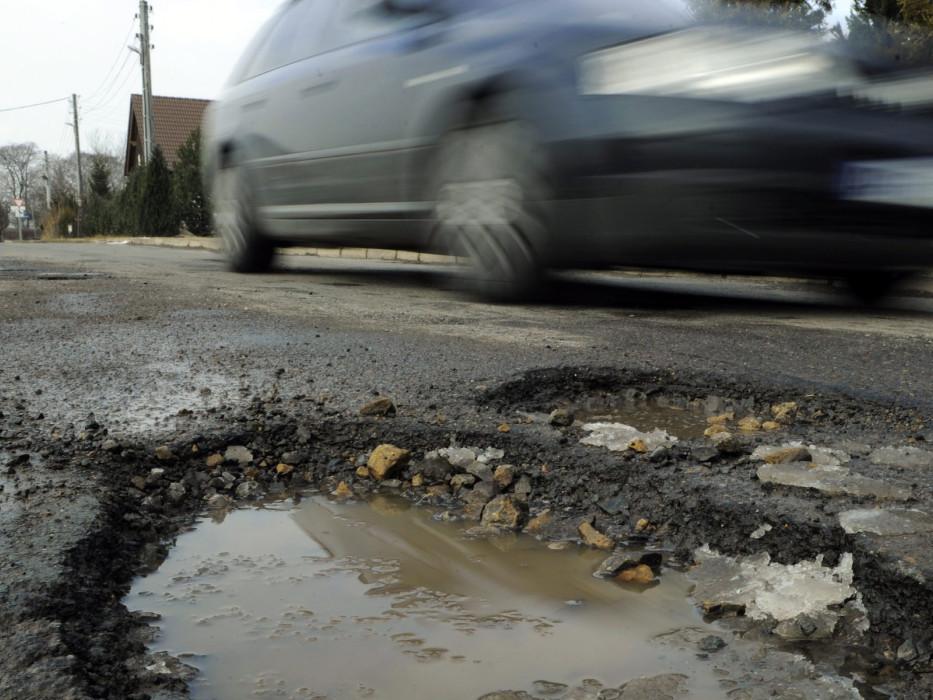 aec-pothole1